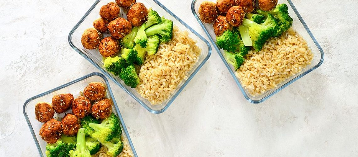 Meatballs and broccoli lunch boxes